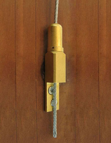 Gripper for cable