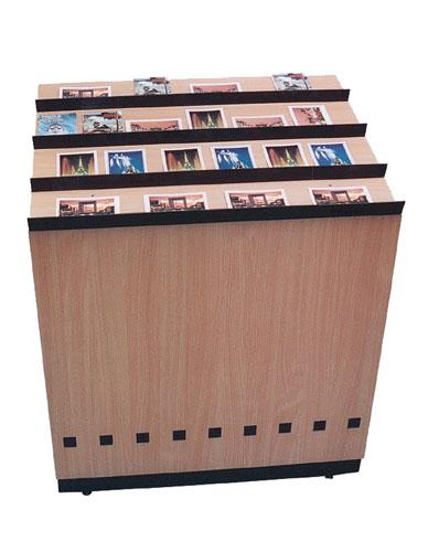 Meuble comptoir incliné pour cartes-postales Promuseum