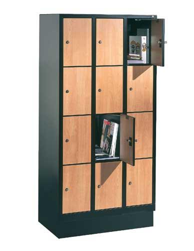 Wardrobe and lockers