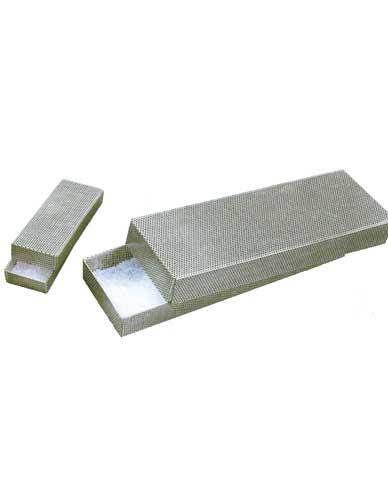 Boîte acier pour produit dessiccant